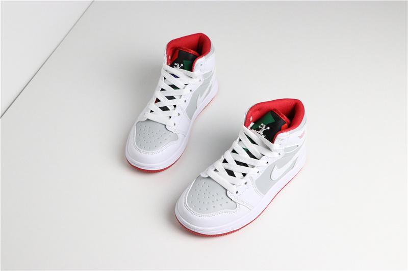 60204b4310e2a30b572fbfd3a67a4053 - 喬登1代高幫童鞋系列 Air Jordan 1 喬1白灰 28-35