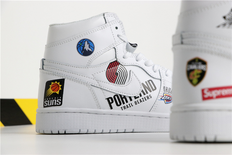 904488b020a73597ebd9891413c3ec86 - Air Jordan 1 喬丹1代三方聯名NBA白塗鴉 高筒 休閒運動鞋 白色 熱銷推薦❤️