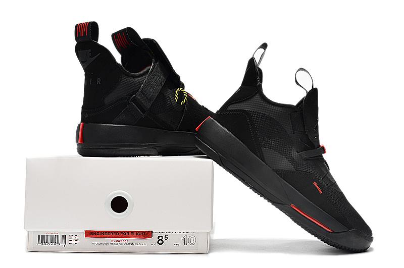 c85f96d3fa5ed01889525518b6d7fff3 - Air Jordan XXXIII 喬丹33代 男子高筒籃球鞋 全黑色 無鞋帶 熱銷推薦❤️