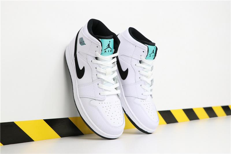 c946b7035b95400fcc6cf75e9f6262e7 - Air Jordan 1 Mid  Hyper Jade 554725-122 喬1白孔雀 喬1白薄荷女款