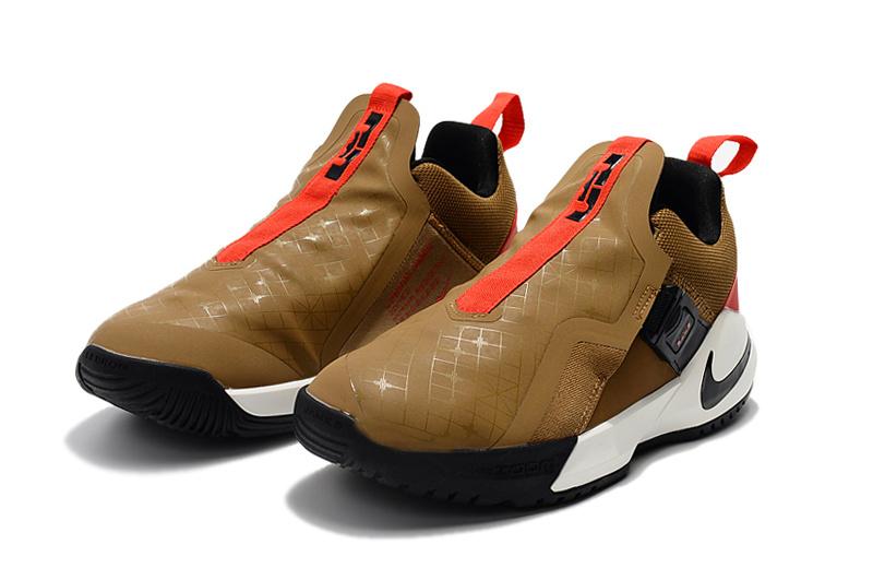 ee1bf1ef454385f8dad32f6bed88a81c - Nike Ambassador XI 詹姆斯使節11代低筒籃球鞋 棕色 無鞋帶戰靴 超熱賣❤️