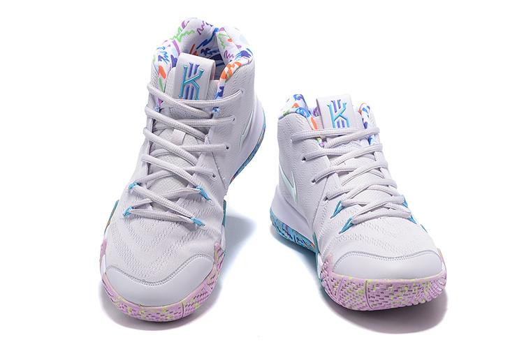f7e7a43d9bff9357ab14c062b4ab5891 - Nike Kyrie4 厄文4代 女子低幫籃球鞋 白色 內部塗鴉 實戰 最高品質❤️