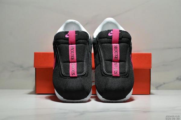 8e9aedfdcd5346c6d40e2fb49bae0934 - Nike Cortez Kenny IV 110E2022聯名 全新阿甘一腳蹬設計 運動休閒慢跑鞋 女鞋 黑桃紅