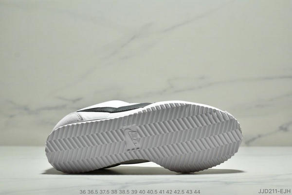 cc19f89eb6311bf771a83afe497c8ba7 - Nike Classic Cortez Betrue 阿甘 復古跑鞋 情侶款 白灰黑