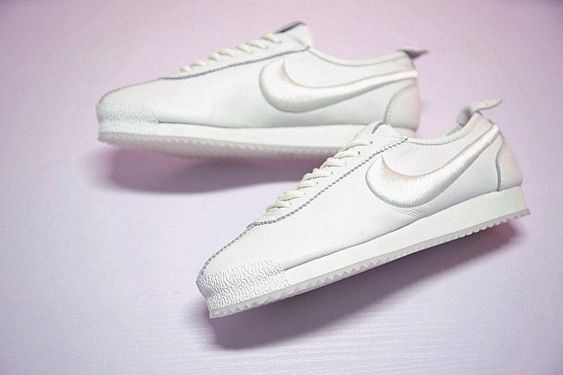 4cb5201bfa15922d570d2b162d23bdf9 - Nike Cortez 阿甘 全白 皮 情侶鞋 881205-100