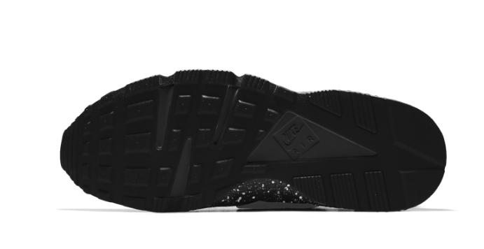 11ebcc639154b2c1e7ccf2f73da2ad56 - NIKE AIR HUARACHE RUN Triple Black 一代黑武士 運動鞋 黑魂 休閒鞋 慢跑鞋 情侶 黑潑墨