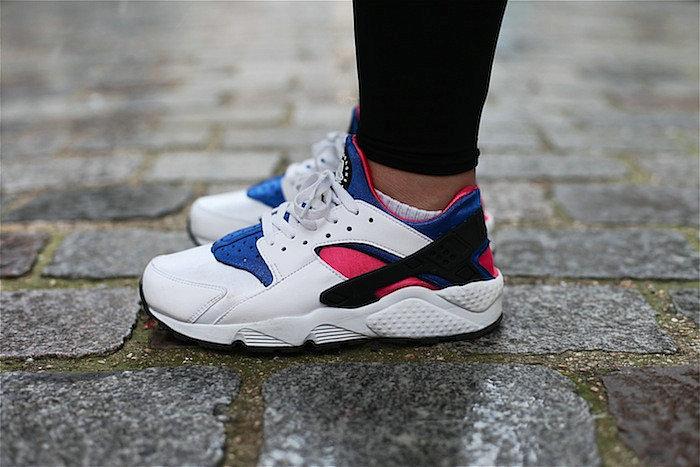 120ddf31fea2525fbc95b3dabbbc132e - 情侶鞋 Nike Air Huarache Run OG初代華萊士復古慢跑鞋 OG白藍桃粉 AH8049-100-