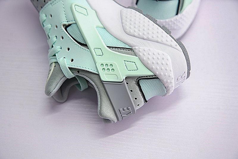 1cf970aabc05a0b8ef6ddc86cb8df637 - Nike Air Huarache Run Premium 華萊士 綠灰 女款