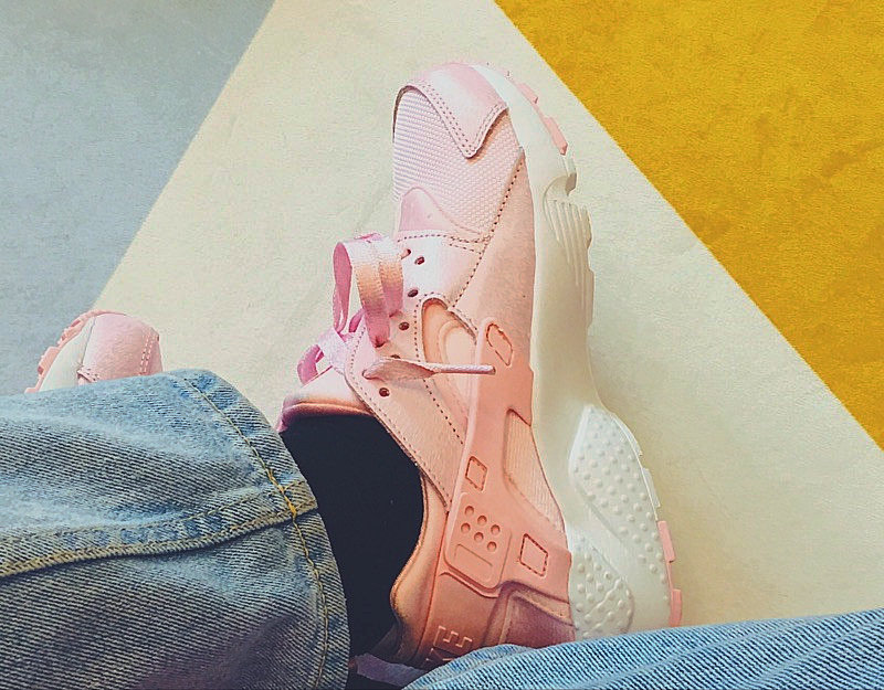 30ee9f71de528b68b4279238b76ba567 - 女神鞋 Nike Air Huarache Run Premium 華萊士 復古 慢跑鞋 夢幻粉 904538-600