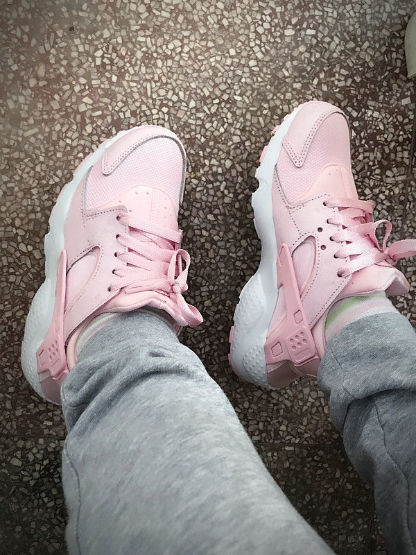 70258b88cf4faba46530db15ade834a8 - 女神鞋 Nike Air Huarache Run Premium 華萊士 復古 慢跑鞋 夢幻粉 904538-600
