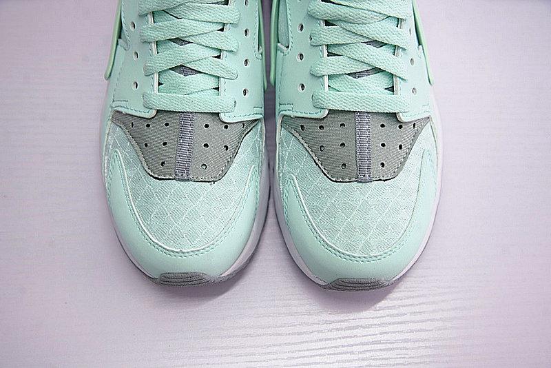 7203a9688f8179229fe4e7881aea5a3a - Nike Air Huarache Run Premium 華萊士 綠灰 女款