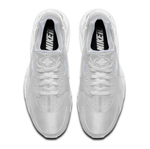 b5903100cc2b4ac294533fd4f1d0a517 - NIKE AIR HUARACHE RUN Triple Black 一代黑武士 運動鞋 黑魂 休閒鞋 慢跑鞋 情侶 全白