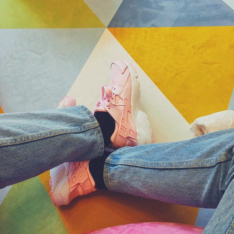 bf93ab6c86bd31d16ce9ce6dc65971a5 - 女神鞋 Nike Air Huarache Run Premium 華萊士 復古 慢跑鞋 夢幻粉 904538-600
