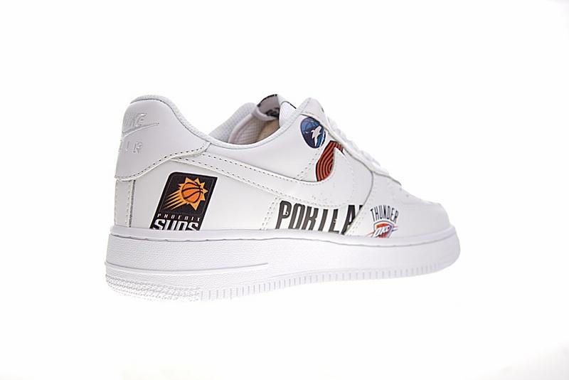 101abce6b4eac9f4a98d35497ab629b0 - Supreme x NBA x Nike Air Force 1 AF1 NBA LOGO聯名款 塗鴉 低筒 休閒鞋 時尚 百搭 AQ8017-300