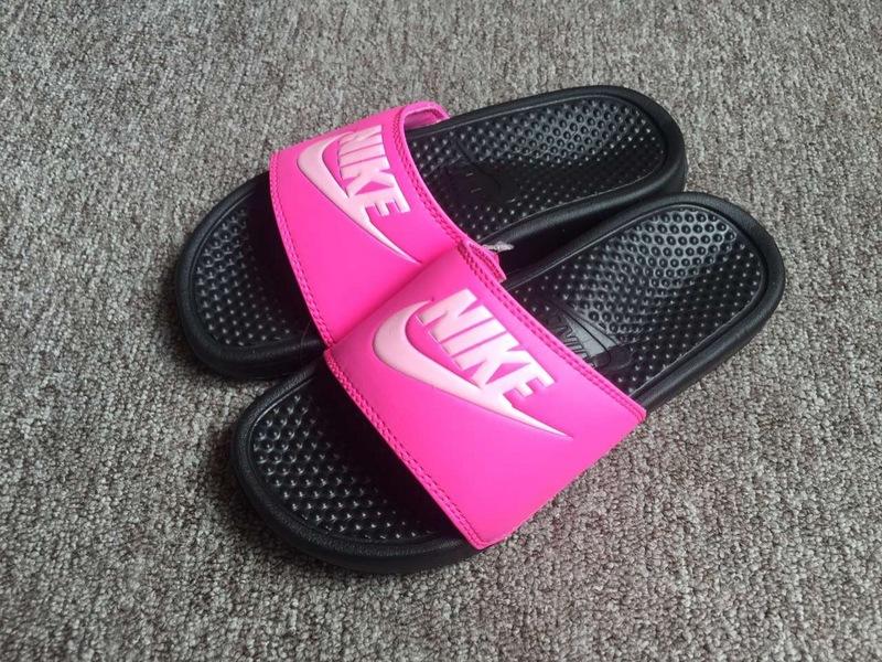 311153dfecefd3cc2550b967b4adcd66 - Nike Benassi Print 女神拖鞋 粉黑色 防水 防滑 沙灘拖鞋 休閒 百搭