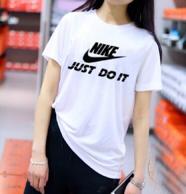 8114cd793850b46f9343a56e339ccfbe - NIKE 情侶款 夏季新款 基礎 純棉T恤 白黑 經典 百搭