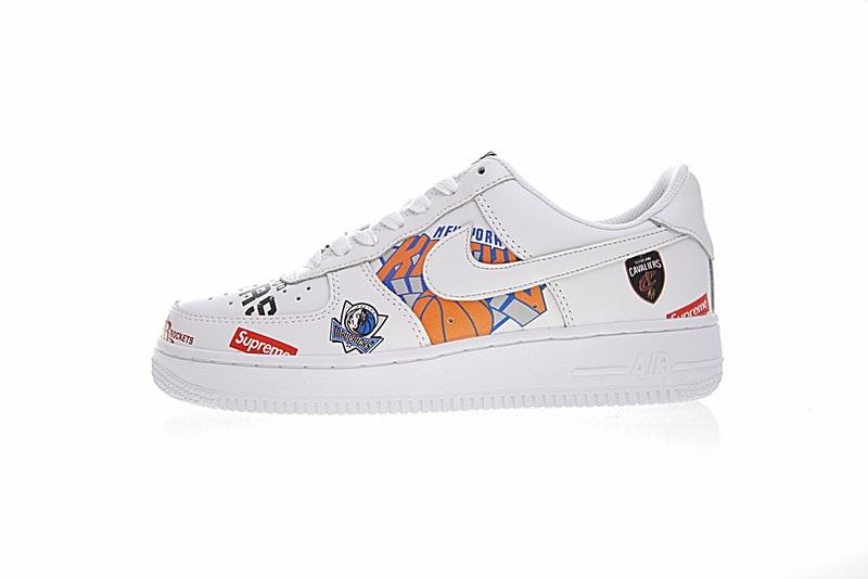af590093a2d9ae362fd707160da9a397 - Supreme x NBA x Nike Air Force 1 AF1 NBA LOGO聯名款 塗鴉 低筒 休閒鞋 時尚 百搭 AQ8017-300