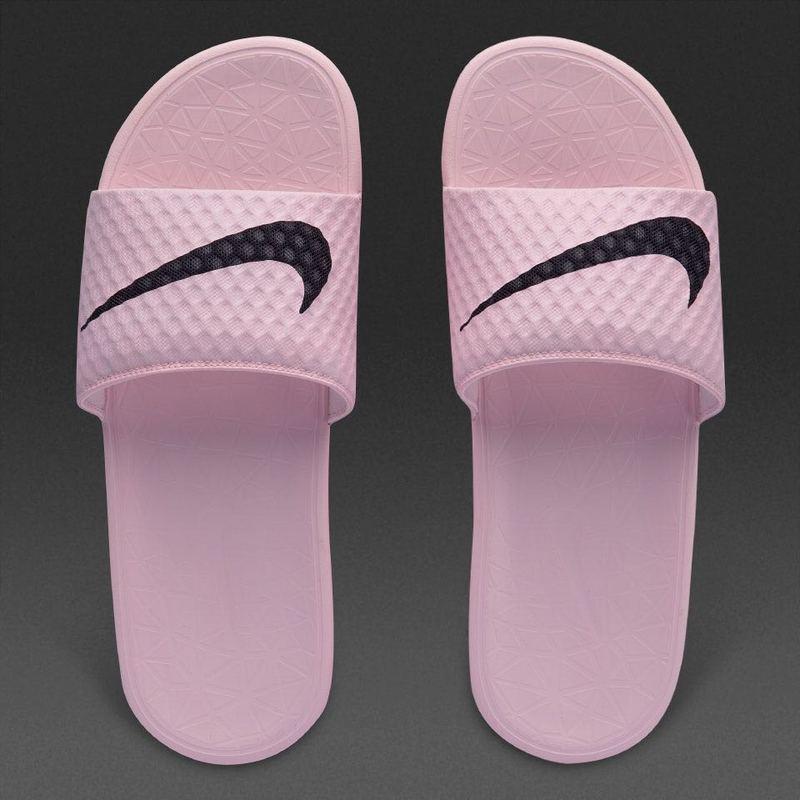 b1480e5290fe934cc9de601d8f886446 - Nike Benassi 女神 粉色 大LOGO 沙灘 拖鞋 涼鞋 防水 防滑 時尚 百搭 705475-6013