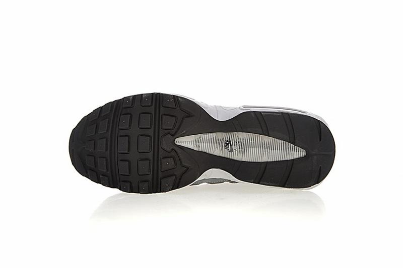 ddccfa43eab34430b7826f3f2f539918 - Nike Air Max 95 復古氣墊慢跑鞋 黑灰漸變 男款 時尚百搭 749766-021