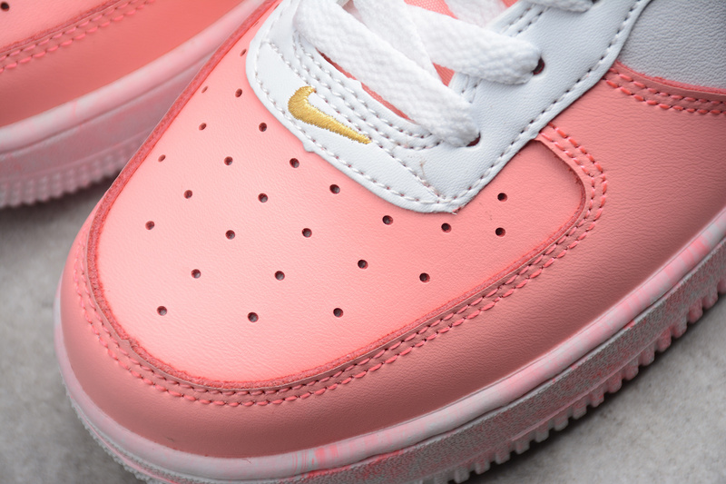 3491c56f0efb53c66be2337dca864834 - Nike Air Force 空軍一號 低幫 休閒板鞋 粉白色 時尚 百搭-現貨秒殺❤️