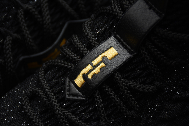 3b9e61e4bcb242cf69276fe40d39d353 - Nike LeBron 15 氣墊籃球鞋 黑色 男款 運動 休閒 耐磨-新品駕到❤️