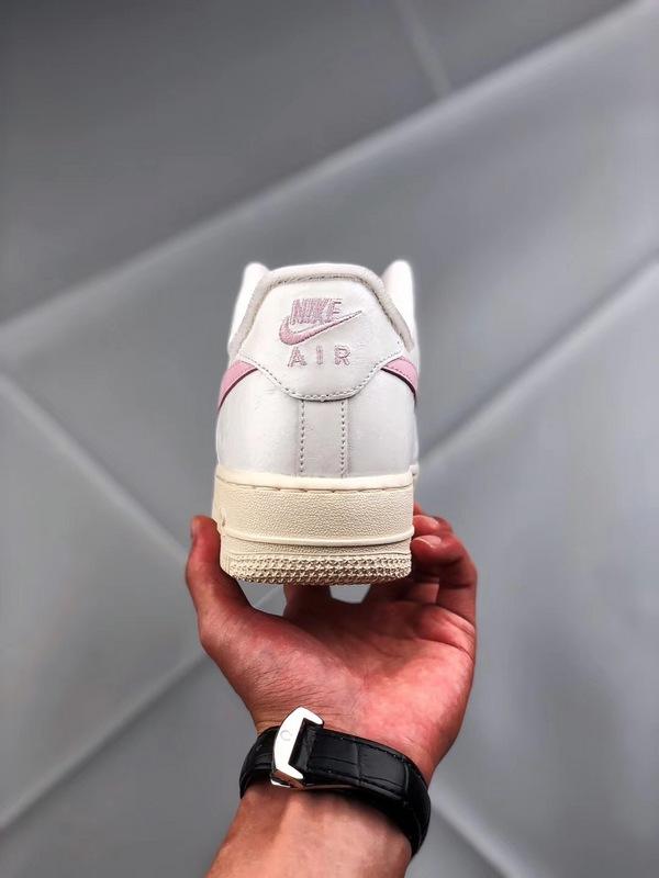 6673d509b737bdd09009304f6e22ee91 - Nike Air Force 1 空軍一號 低幫 女款 白粉 綢緞 經典 休閒板鞋-熱銷推薦❤️