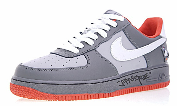 393a314621e947a5a3ff95d719235bc7 - Staple x Nike AIR FORCE 1  Pigeon 簽名版 灰鴿子 情侶鞋 1304292-011