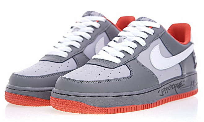 67ed6f9dc950a6e64ffdf9281a0b2f91 - Staple x Nike AIR FORCE 1  Pigeon 簽名版 灰鴿子 情侶鞋 1304292-011