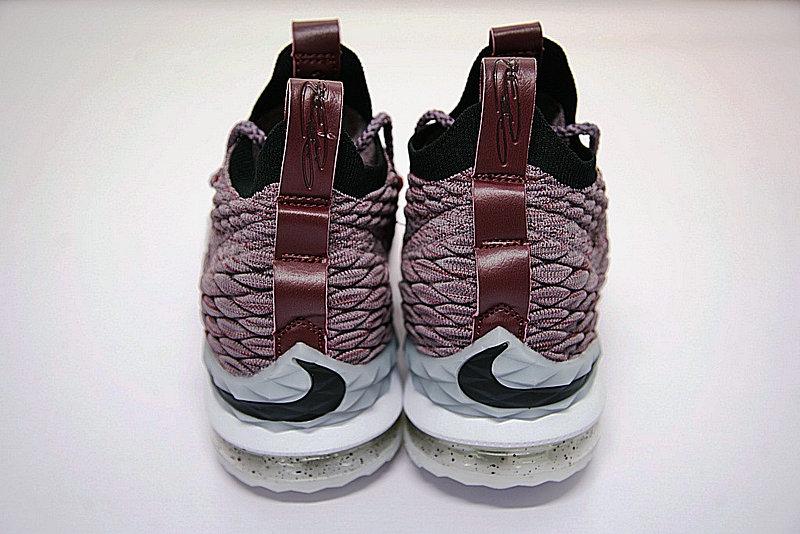 7445171095ce4b98 - Nike LeBron 15詹姆斯·勒布朗全新戰靴室內針織中筒籃球鞋系列 淺紫酒紅白潑墨底 897649-201