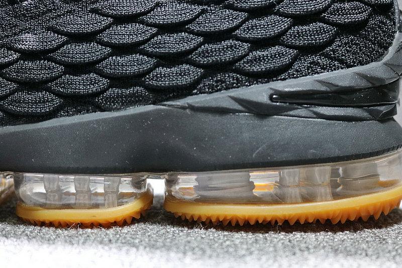 a65c90bba3c18a138f398143e6a534fc - Nike LeBron 15 LBJ15 詹姆斯15代男子籃球鞋 黑黃897648-300