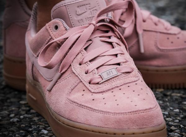 0d589f0c6342262b62764e6e0d88b8d4 - NIKE AIR FORCE 1 07 SE 女鞋 玫瑰粉 粉色 AA0287-600