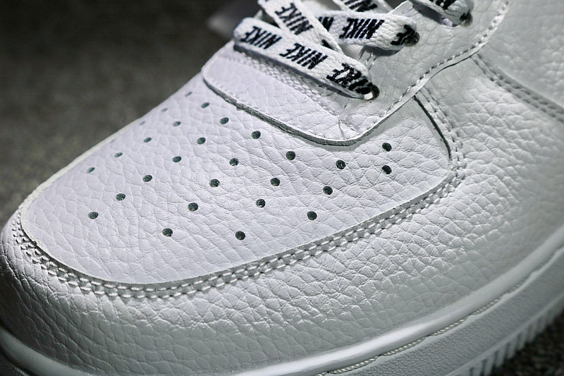 71100d438e84cb27f49ae4c08f2eb42f - Nike Air Force 1 空軍壹號 經典 白黑 男鞋 823511-103