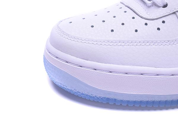 92f7c53a0a234a00a025a3a9cc5384f2 - NIKE AIR FORCE 1 '07 PRM 全白雷射 低筒 情侶 休閒運動鞋 滑板鞋 616725-105