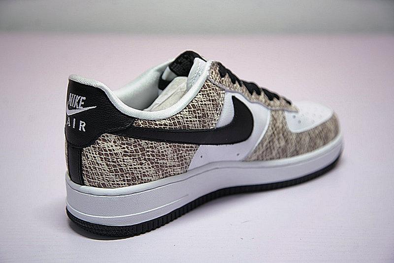 97960a9f30baf95dabcd8c483717fe8a - Nike Air Force 1 Low Premium Snake Cocoa 低筒 白黑 皮蟒 蛇紋 845053-104