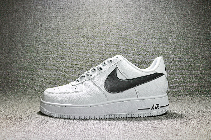 ca12b2b59086c2b21c18d3bd70cad3c6 - Nike Air Force 1 空軍壹號 經典 白黑 男鞋 823511-103