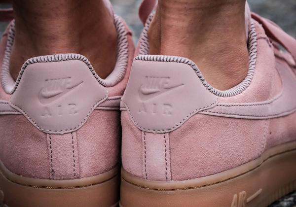 e06db30a46162947fb34fa4e7a066498 - NIKE AIR FORCE 1 07 SE 女鞋 玫瑰粉 粉色 AA0287-600