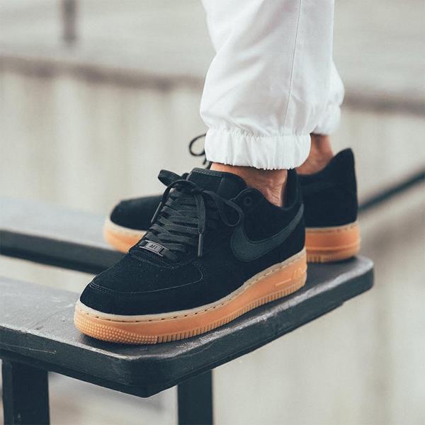faf75eca06716100d0fa347aac82621d - NIKE AIR FORCE 1 07 SE 男女鞋 黑色 麂皮 AA0287-002