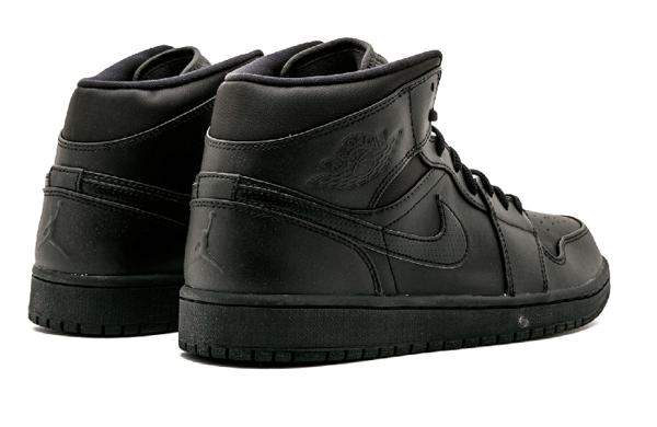 7f36f032d524763bd41bf295b80882f0 - Air Jordan 1 Mid 全黑 男鞋 籃球鞋 高筒 554724 034