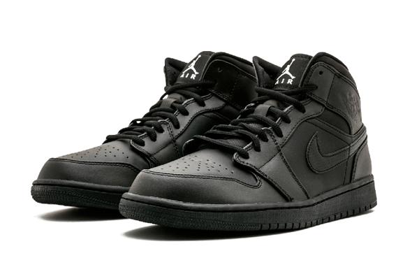 ce667845d40f8bd3fc13df59df9511b2 - Air Jordan 1 Mid 全黑 男鞋 籃球鞋 高筒 554724 034