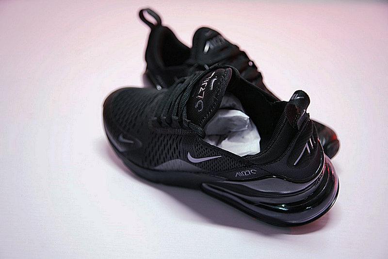 2175c21c88d051346358e41ce9217f19 - 男女鞋 Nike Air Max 270系列後跟半掌氣墊慢跑鞋 Triple Black 全黑 AH8050-001