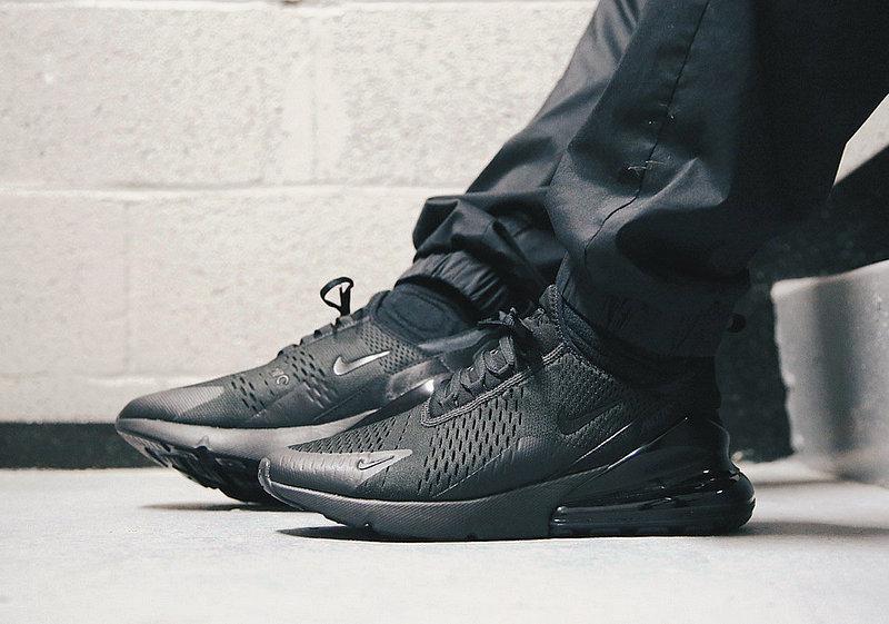 75355901e5de40574f93002e61ab2e8d - 男女鞋 Nike Air Max 270系列後跟半掌氣墊慢跑鞋 Triple Black 全黑 AH8050-001