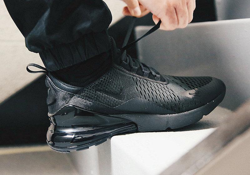 b0cd77d12cd46617b8614f54528cc7f2 - 男女鞋 Nike Air Max 270系列後跟半掌氣墊慢跑鞋 Triple Black 全黑 AH8050-001