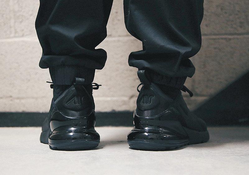 e861e25ca4ab2386ae1aa46317c80947 - 男女鞋 Nike Air Max 270系列後跟半掌氣墊慢跑鞋 Triple Black 全黑 AH8050-001