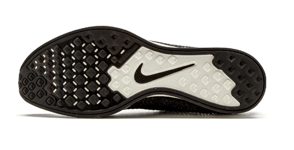 9f7c8a3c86a76090e03beae8f1b5786c - Nike Flyknit Racer 編織 黑魂 情侶鞋 526628 005