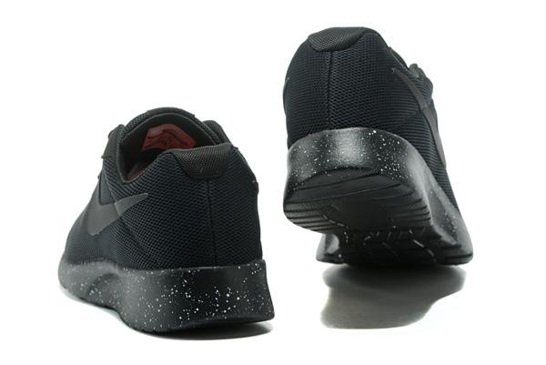 e38dc8146181461ee2083bd8af6ec93f - WMNS NIKE TANJUN 慢跑鞋 休閒鞋 黑 情侶鞋 黑勾 812655