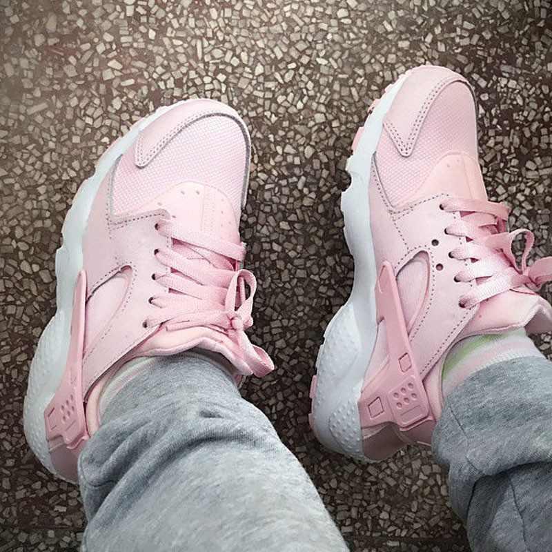 女神鞋 Nike Air Huarache Run Premium 華萊士 復古 慢跑鞋 夢幻粉 904538-600