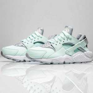 0ca255d975332d56 300x300 - Nike Air Huarache Run Premium 華萊士 綠灰 女款
