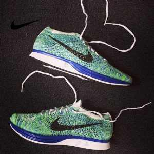 212c7675294080e4 300x300 - Nike Flyknit Racer 男女 運動 輕便 編織 休閑 跑步鞋 526628/902366