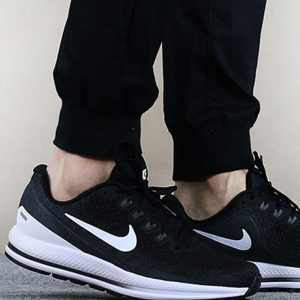 26367810794752d7 300x300 - NIKE AIR ZOOM VOMERO 13 氣墊 跑步鞋 922908-001