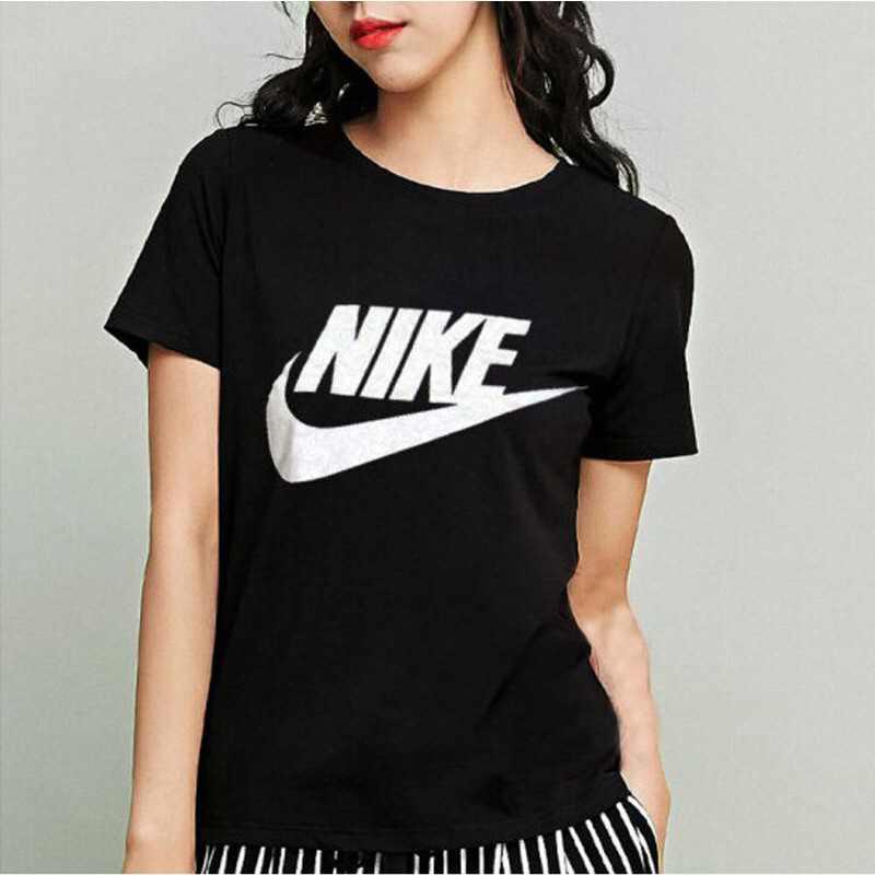 Nike 女裝T恤2018夏季新款圓領運動休閑透氣顯瘦短袖T恤829748-010